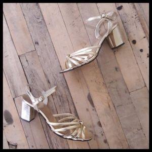 Gorgeous Vtg 60's 70's gold evening sandals!
